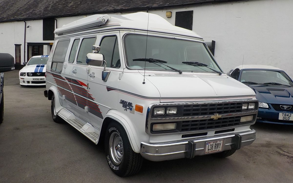 1994 CHEVROLET G20 DAY VAN 5.7 LITRE