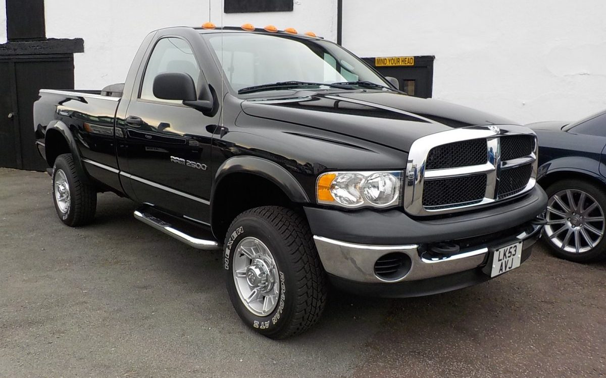 2004 DODGE RAM 2500 5.9 LITRE CUMMINS DIESEL REGULAR CAB