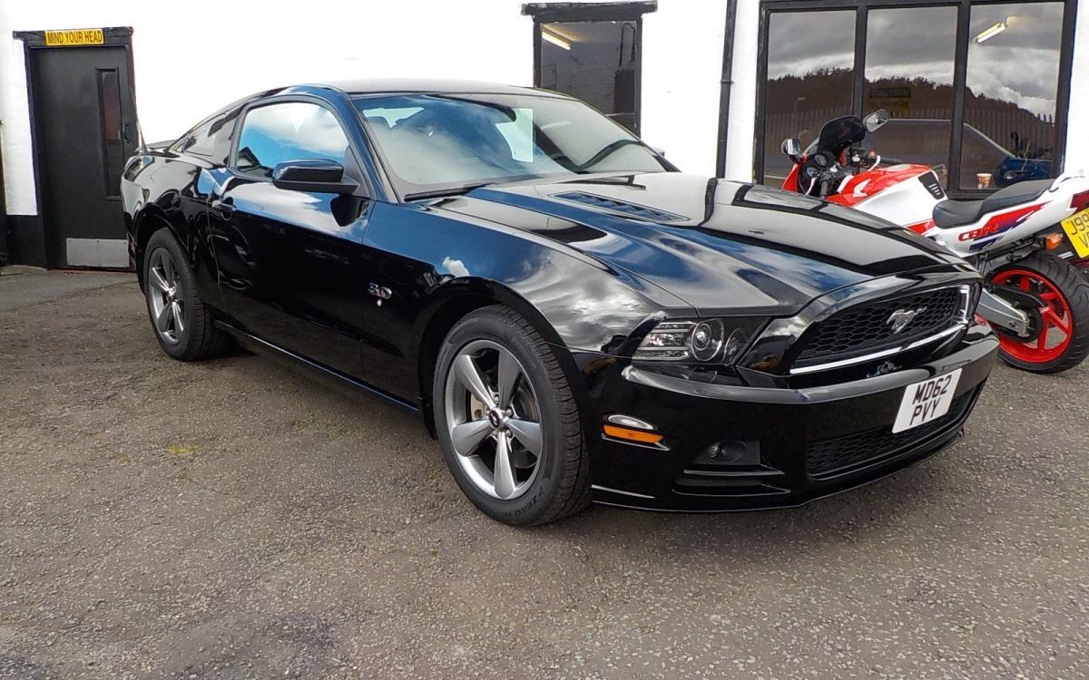 2013 ford mustang 5 0 litre gt oldcott motors. Black Bedroom Furniture Sets. Home Design Ideas