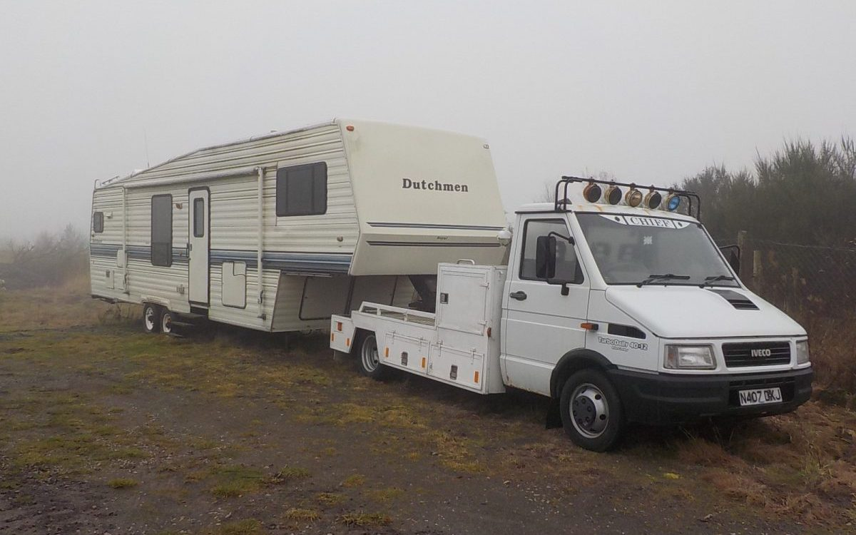 1991 5TH WHEEL CARAVAN AND 1995 IVECO TRUCK