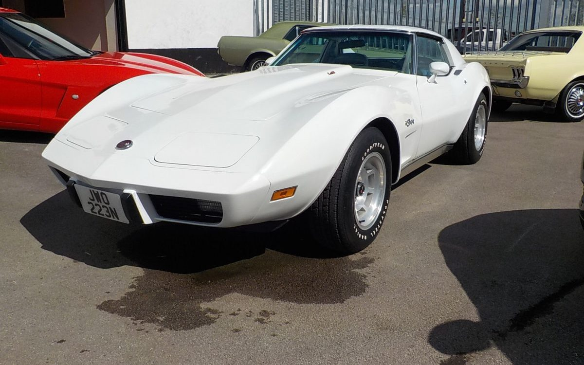 """1975 CHEVROLET CORVETTE STINGRAY 5.7 LITRE AUTOMATIC"