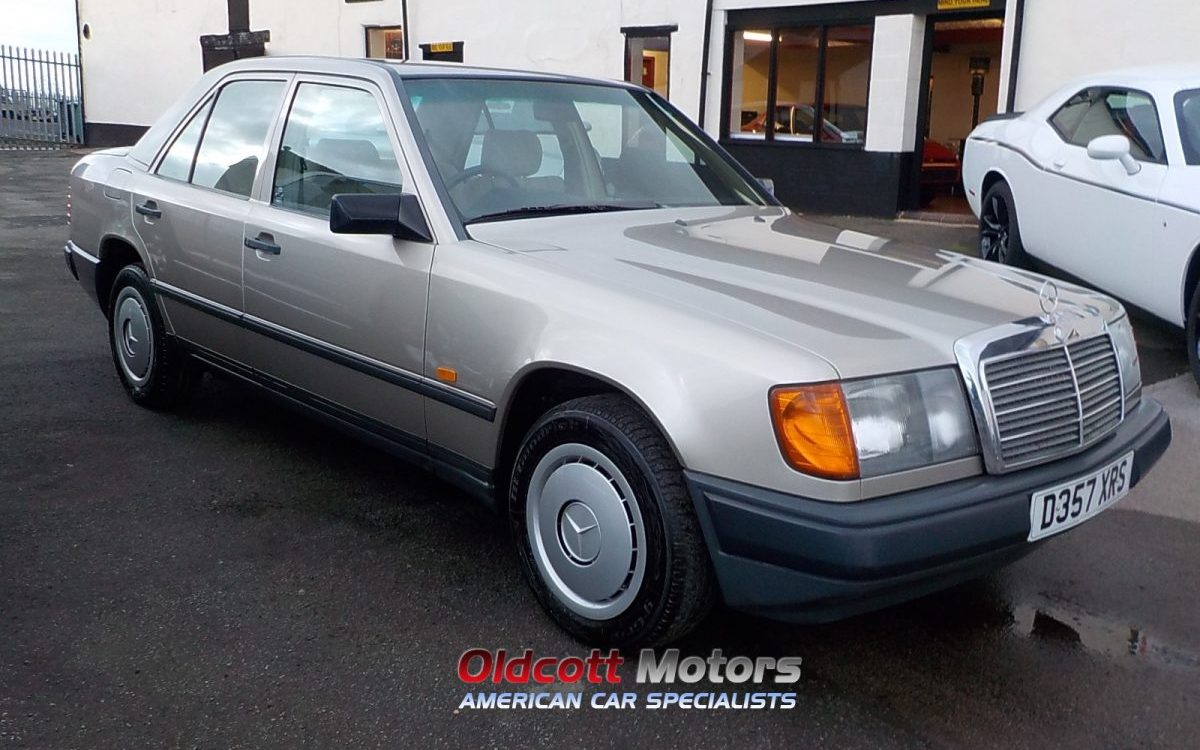 1987 MERCEDES E200 W124 MANUAL WITH FSH