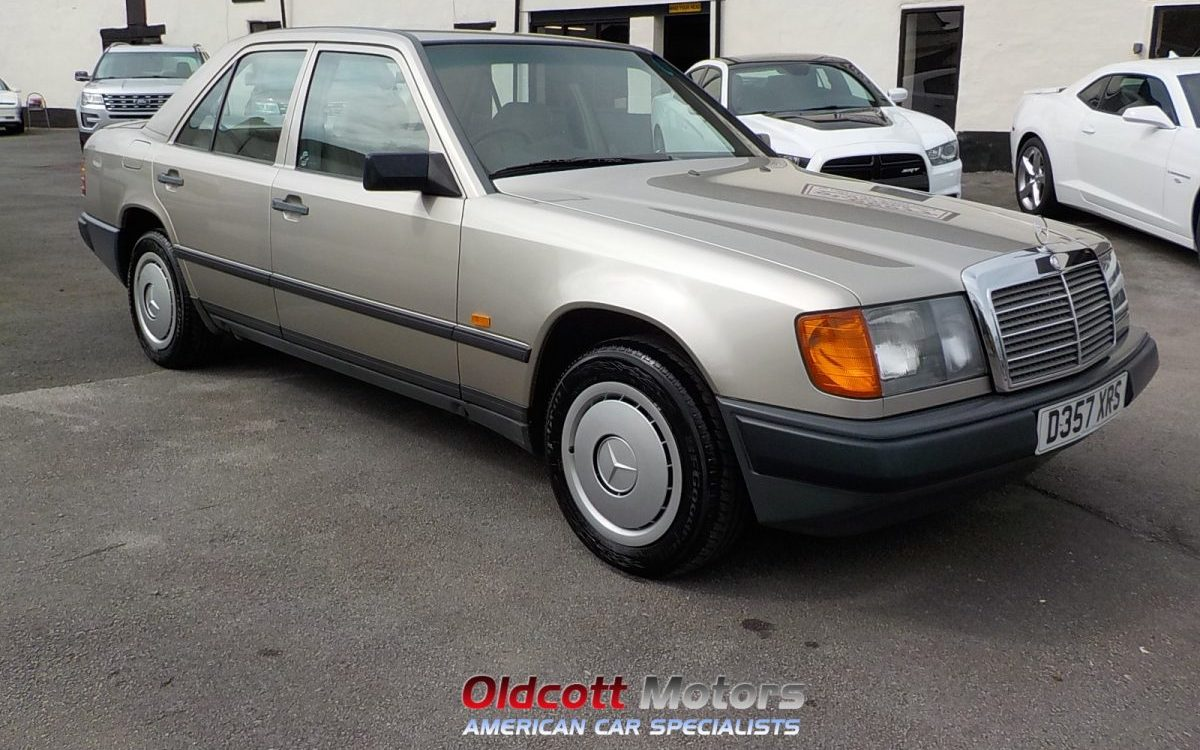 1987 MERCEDES E200 W124 MANUAL WEITH FSH