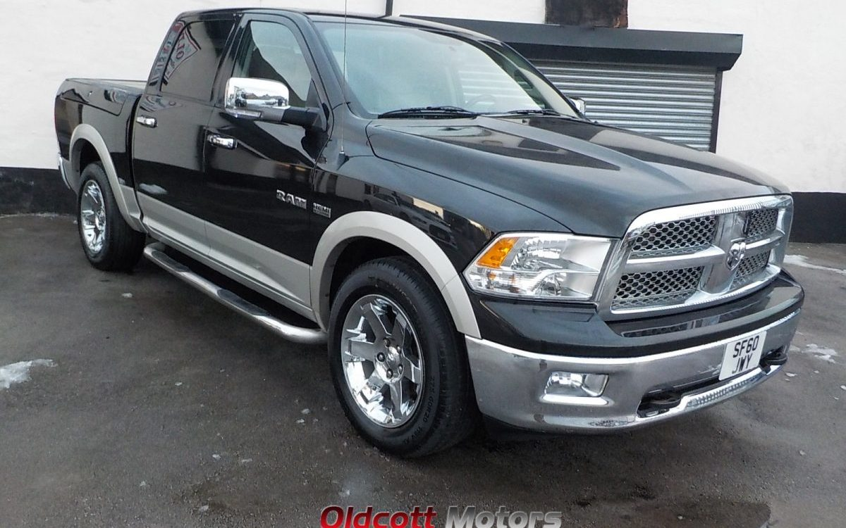 2010 dodge ram laramie 1500 crew cab 5 7 litre hemi 4x4. Black Bedroom Furniture Sets. Home Design Ideas