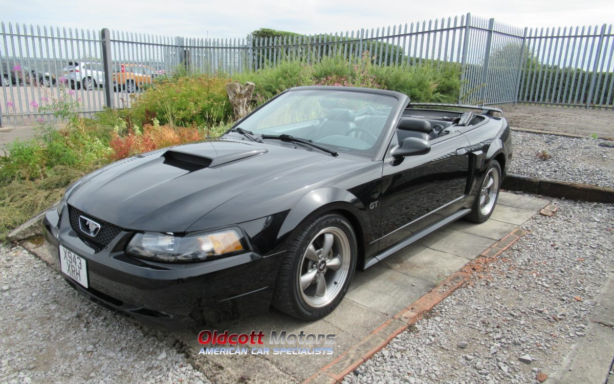 2001 FORD MUSTANG CONVERTIBLE 4.6 LITRE 5 SPEED MANUAL