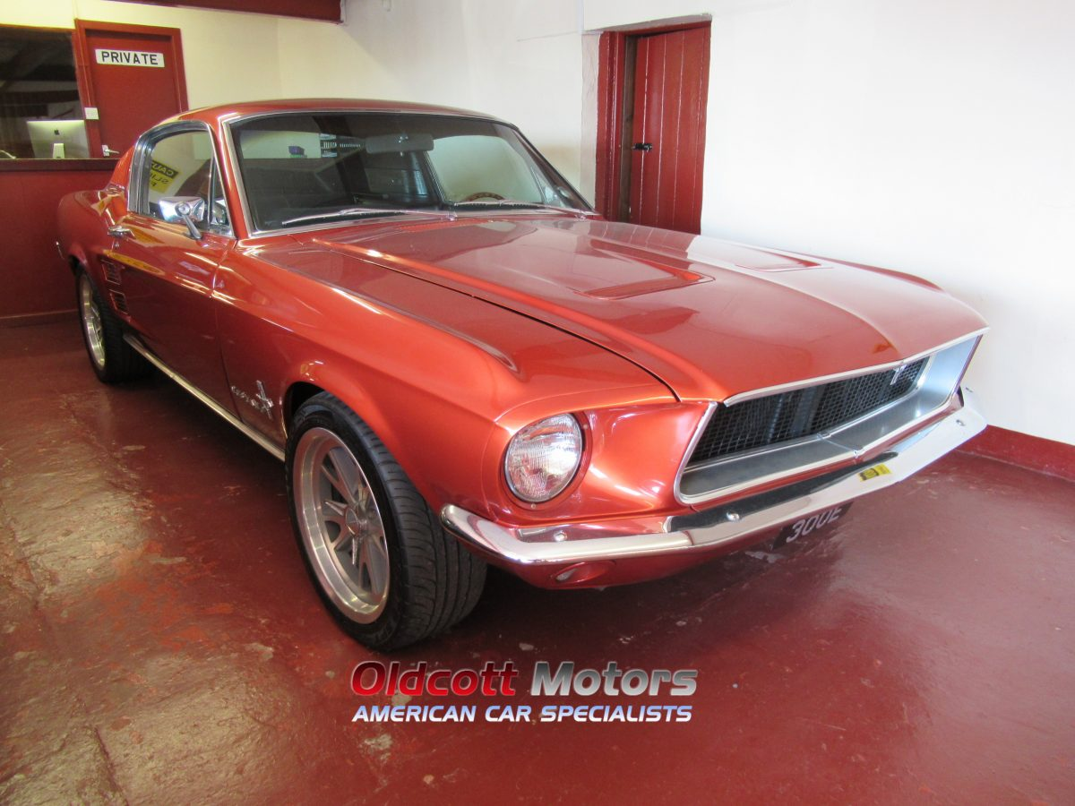 1967 FORD MUSTANG FASTBACK 5.8 LITRE AUTO