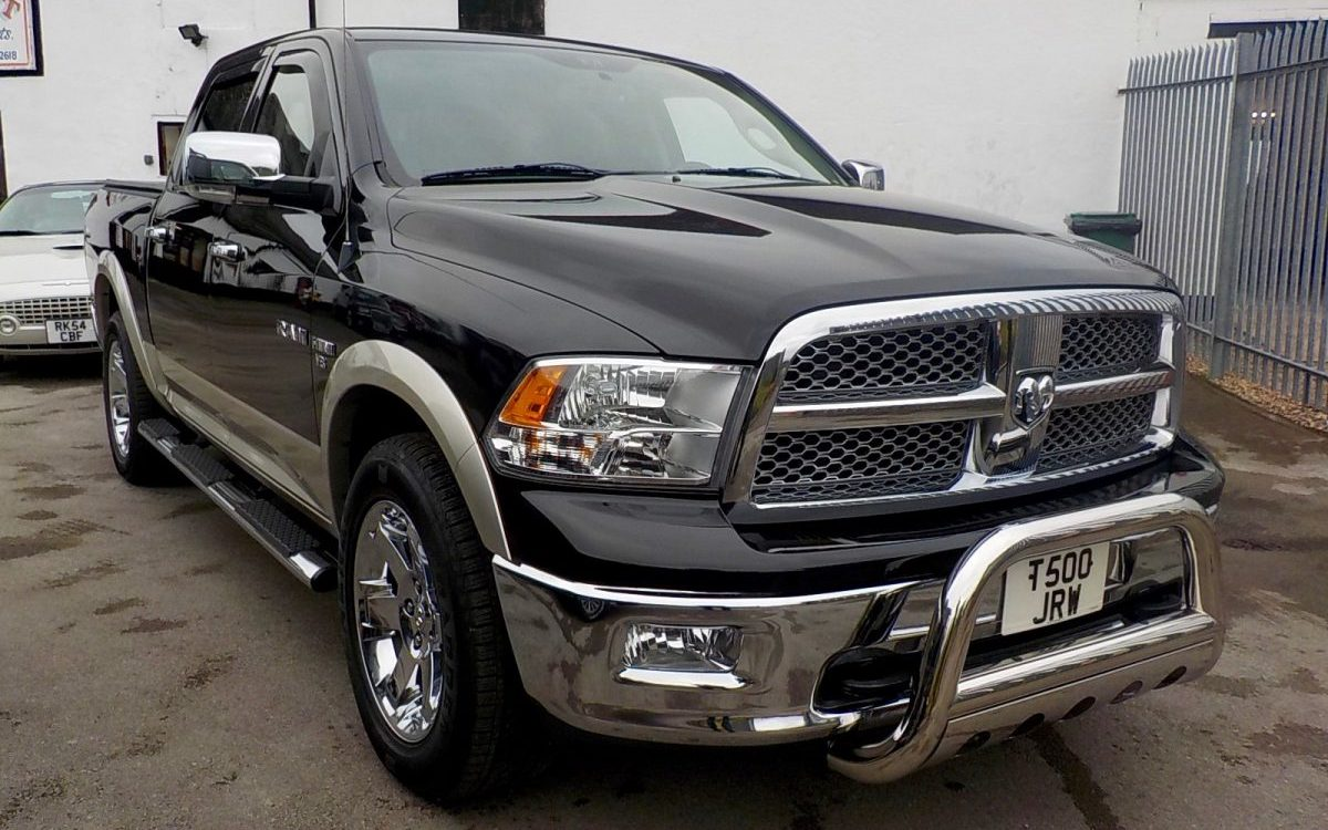 2010 DODGE RAM 1500 LARAMIE 5.7 LITRE 4X4 CREW CAB PICKUP WITH LPG