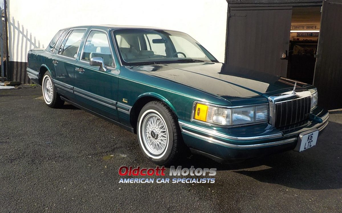 1992 LINCOLN TOWNCAR 4.6 LITRE AUTO