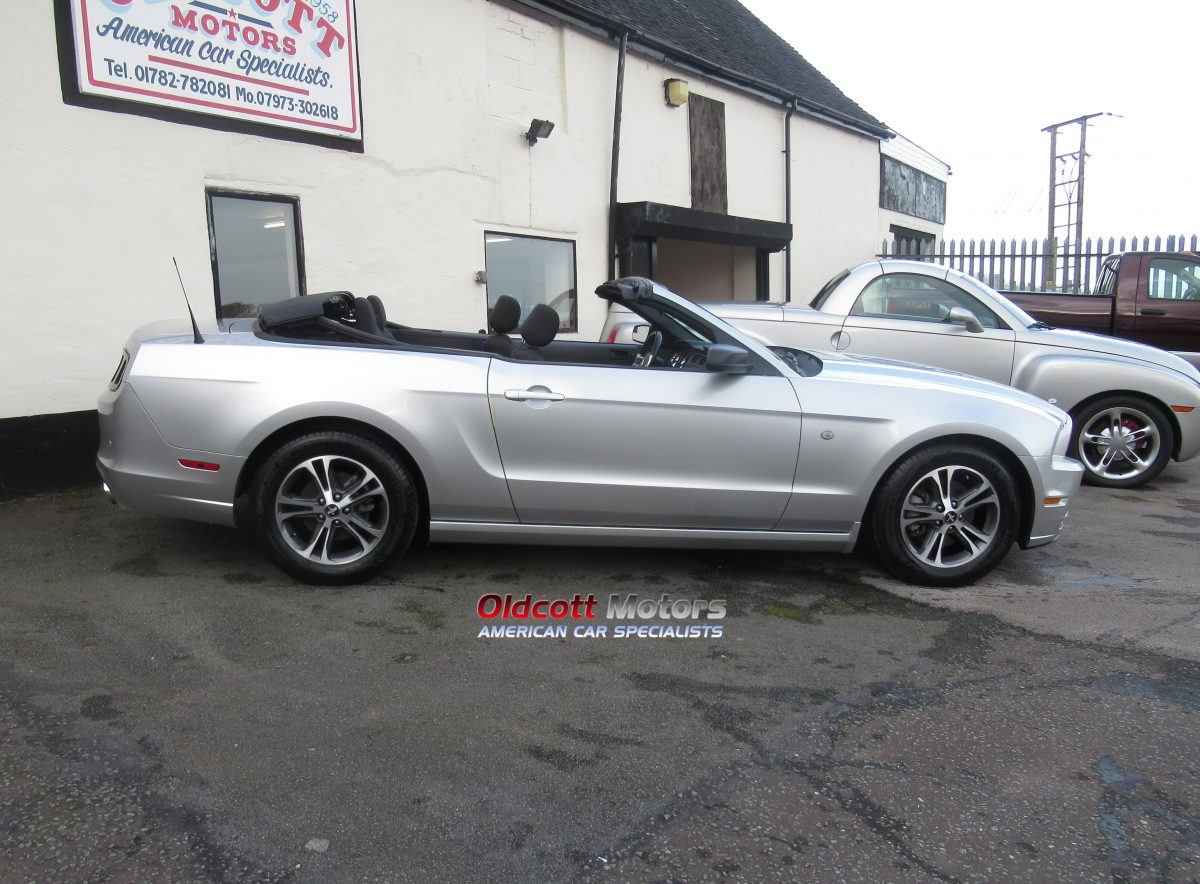 2013 FORD MUSTANG 3.7 LITRE AUTO CONVERTIBLE