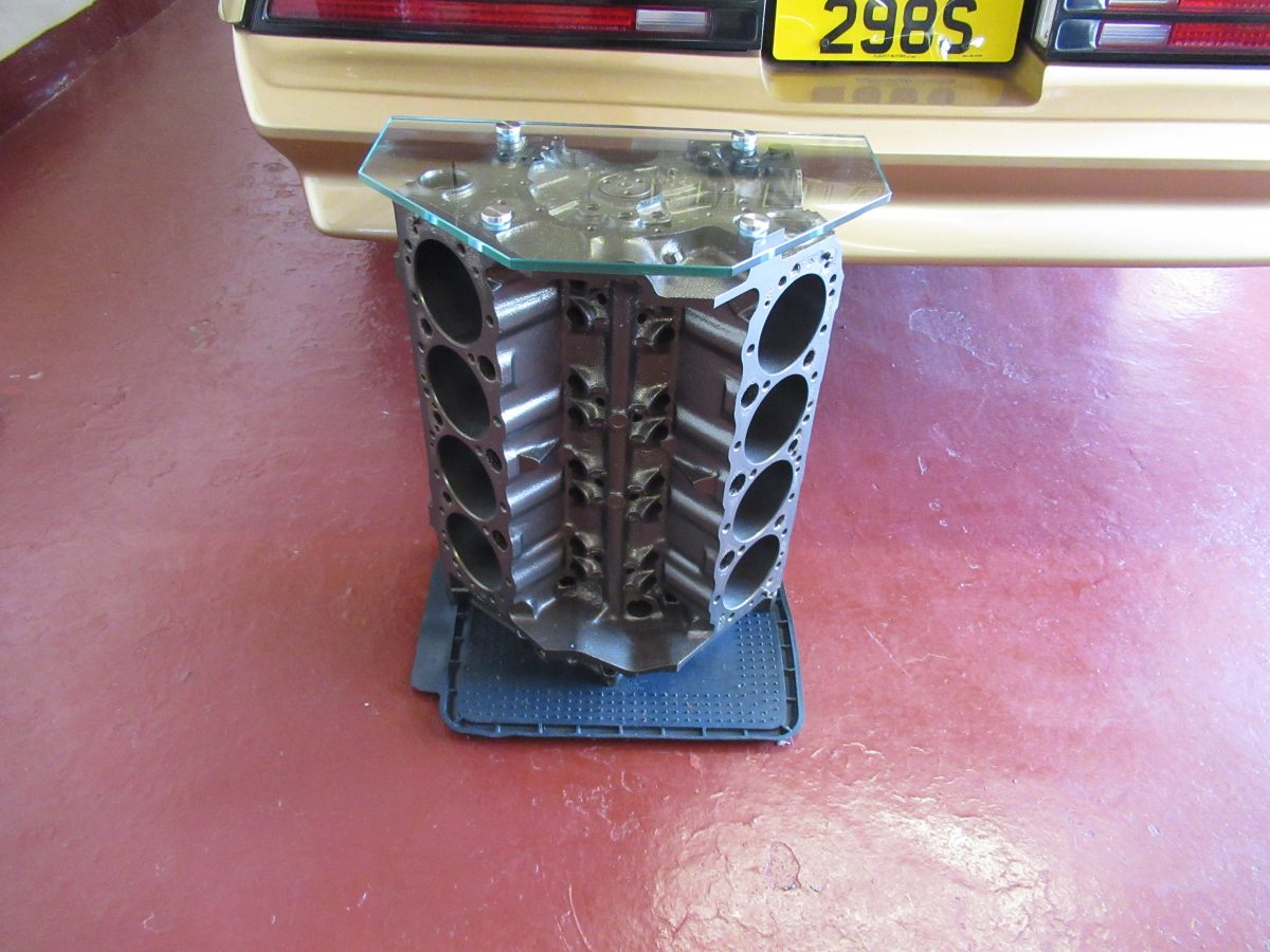 350 CHEVROLET ENGINE BLOCK TABLE, TOUGHENED GLASS,