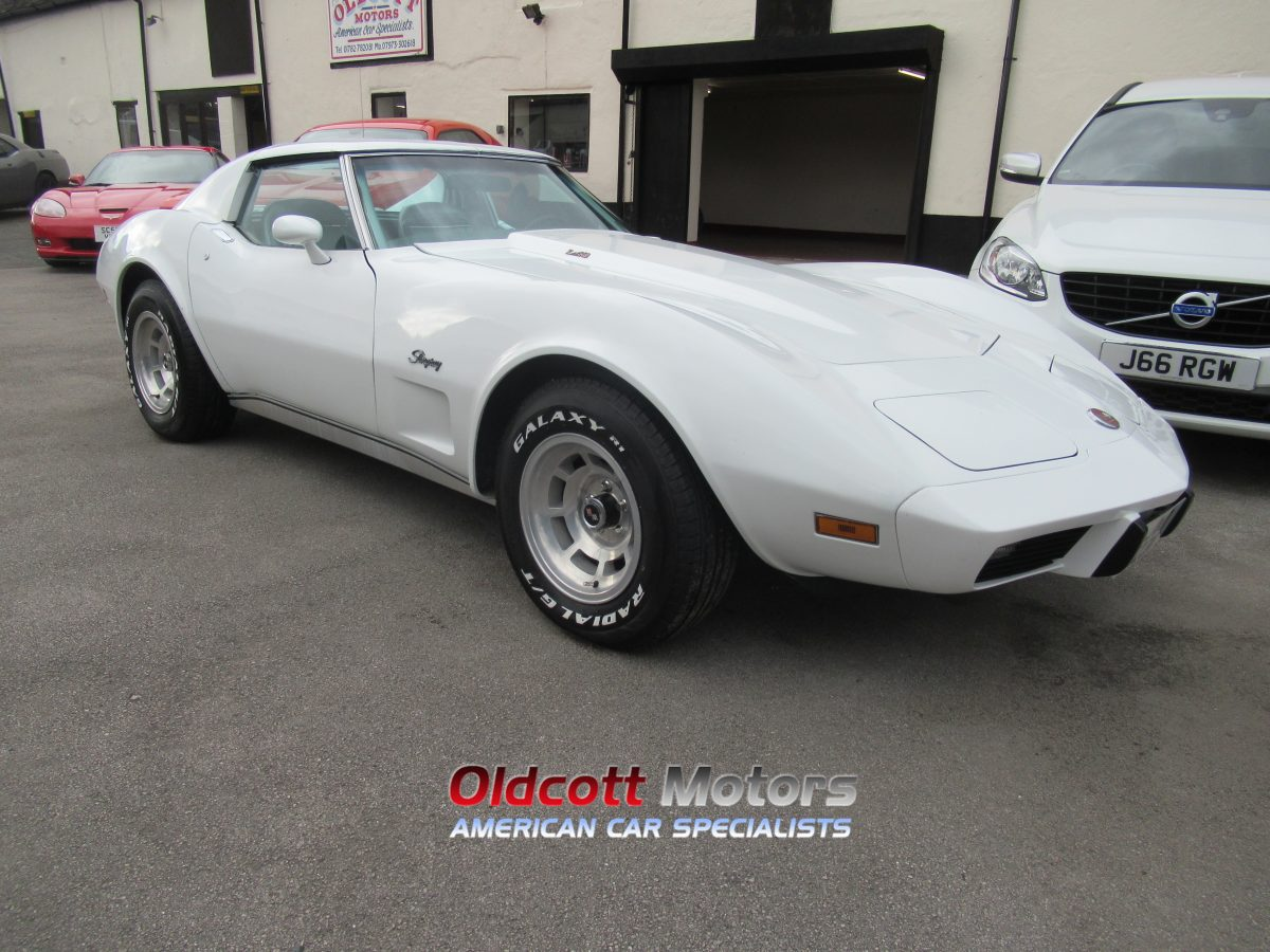 1976 CHEVROLET CORVETTE STINGRAY 5.7 L48 AUTO