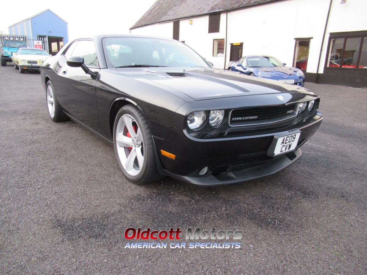 2009 DODGE CHALLENGER SRT 6.1 LITRE 6 SPEED MANUAL